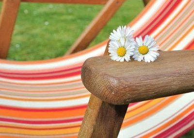 photodune-4582646-relaxing-m-1